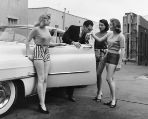 """William Peter Blatty charms the girls from """"The Bob Cummings Show""""1958 © 1978 Sid Avery - Image 0234_0006"""