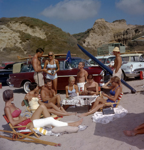 Surfers picknicking at the Beach with their Chevrolet Nomad in San Onofre1957 © 1978 Sid Avery - Image 0250_0044