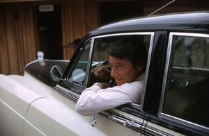 EFREM ZIMBALIST Jr. AT HOME IN ENCINO CA, WITH HIS 1959 BENTLEY, 1971. © 1978 GENE TRINDL - Image 0286_0751
