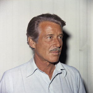 "Efrem Zimbalist Jr. on the set of ""Airport 1975""1974 Universal** B.D.M. - Image 0286_0770"