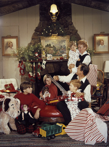 Eve Arden and husband Brooks West with their children Elizabeth, Constance, Douglas and Duncan1956 © 1978 Sid Avery - Image 0287_0111