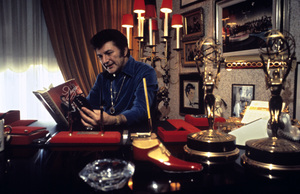Lee Liberace at his Los Angeles home1973 © 1978 Ulvis Alberts - Image 0289_0301