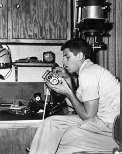 "After working all day in ""The Stooge"" at Paramount, Jerry Lewis goes home to pursue his hobby of home-movies1951 ParamountPhoto by Mal Bulloch** I.V. / M.T. - Image 0292_0615"