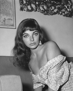 Joan Collins1955Photo by Bert Six - Image 0299_0022