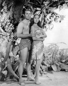 """Jon Hall, Dorothy Lamour in """"Aloma of the South Seas""""1941 Paramount** I.V. / M.T. - Image 0316_0061"""