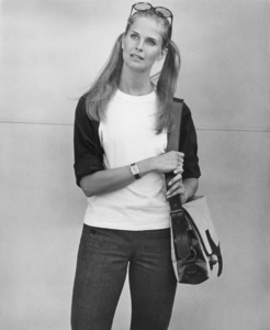 """Candice Bergenduring filming of """"Getting Straight""""1970 - Image 0324_0168"""