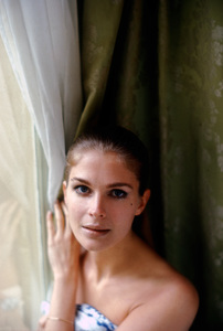 Candice Bergen in her Paris hotel room1968 © 1978 Bob Willoughby - Image 0324_0196
