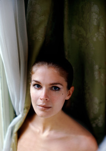 Candice Bergen in her Paris hotel room1968 © 1978 Bob Willoughby - Image 0324_0201