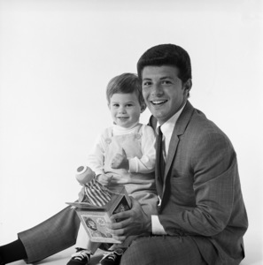 Frankie Avalon and son1965 © 1978 Sid Avery - Image 0331_0127