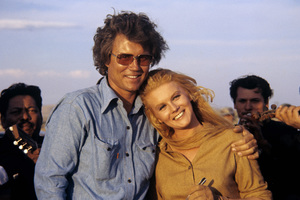 """Roger Smith, Ann-Margret on location for """"The Train Robbers""""1973© 1978 David Sutton - Image 0332_0288"""