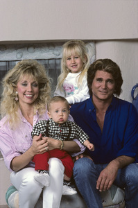 Michael Landon at home with his wife Cindy and their two children, Jennifer and Sean1987© 1987 Gene Trindl - Image 0334_0170