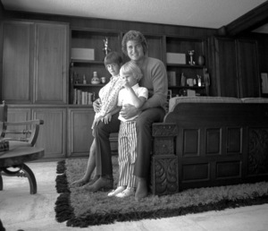 Michael Landon at home in Stone Canyon with his family, c. 1967 © 1978 Chester Maydole - Image 0334_0190