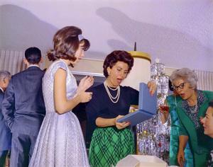 Nancy Sinatra Jr. and Nancy Sinatra Sr. on Christmascirca 1966© 1978 Ted Allan - Image 0336_0199