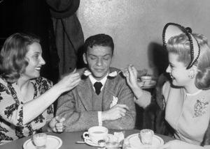 Frank Sinatrac. 1944Photo By Bill Dudas - Image 0337_0301