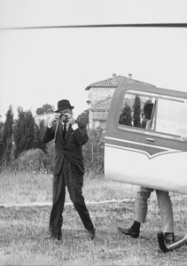Frank Sinatra arriving in Rome1964 © 1978 David Sutton - Image 0337_0558