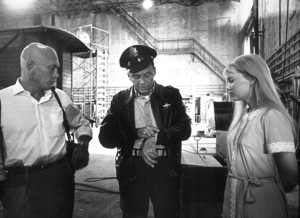 """Frank Sinatra meets Mia Farrow and Yul Brynner on the set of """"Von Ryan"""