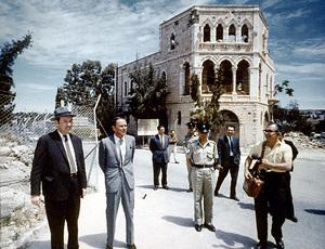 Frank Sinatra visits Israelc. 1964 © 1978 Ted Allan - Image 0337_0772