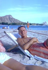 Frank Sinatra in Honolulu, Hawaii1962 © 1978 Ted Allan - Image 0337_0871