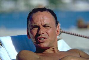 Frank Sinatra in Honolulu, Hawaii1962 © 1978 Ted Allan - Image 0337_0873
