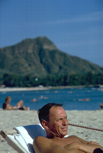 Frank Sinatra in Honolulu, Hawaii1962 © 1978 Ted Allan - Image 0337_0876