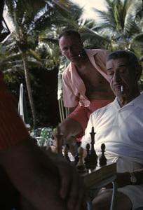 Frank Sinatra and Mike Romanoff in Honolulu, Hawaii 1962 © 1978 Ted Allan