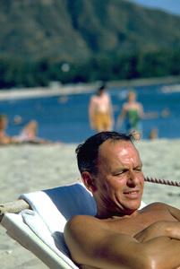 Frank Sinatra in Honolulu, Hawaii1962 © 1978 Ted Allan - Image 0337_0912