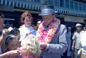 Frank Sinatra in Honolulu, Hawaii1962 © 1978 Ted Allan - Image 0337_0913