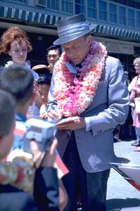 Frank Sinatra in Honolulu, Hawaii1962 © 1978 Ted Allan - Image 0337_0914