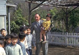 Frank Sinatra visits Japan1962 © 1978 Ted Allan - Image 0337_0924