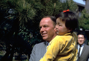 Frank Sinatra visits Japan1962 © 1978 Ted Allan - Image 0337_0926