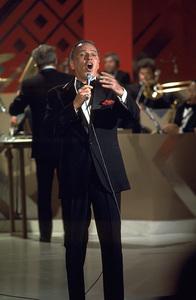 "Frank Sinatra ""Sinatra and Friends"" 1977 ABC TV Special © 1978 Bud Gray - Image 0337_1026"