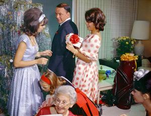 Frank Sinatra with Nancy and Tina at homecirca 1965© 1978 Ted Allan - Image 0337_1112