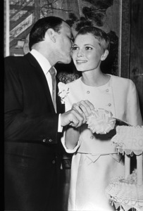 Frank Sinatra and new bride Mia Farrow, 1966. © 1978 Gunther - Image 0337_1355