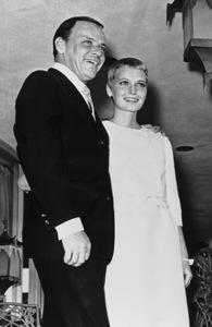 Frank Sinatra and bride Mia Farrow, 1966. © 1978 Gunther - Image 0337_1356
