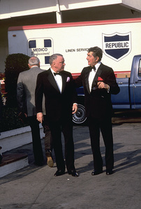 Frank Sinatra with Dean Martin. © 1987 Gunther - Image 0337_1386