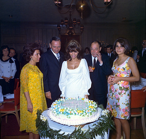 Frank Sinatra with Nancy Sr., Nancy Jr., Joe E. Lewis and Tina at Jr.