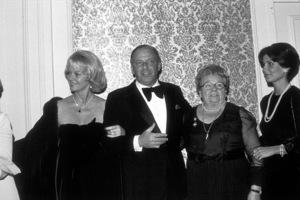 Frank Sinatra, wife Barbara, Dolly, and Tinaat Scopus Awards, 1976. © 1978 David Sutton - Image 0337_1610