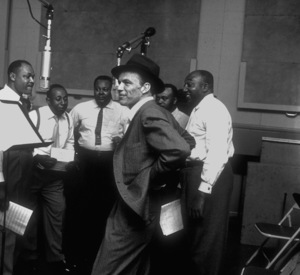 Frank Sinatra with the Nuggets at a Capitol Records recording session /1955 © 1978 Sid Avery - Image 0337_1802