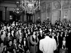 Frank Sinatra, c. 1945 - Image 0337_2254