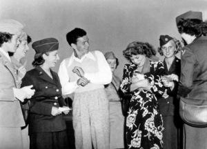 Frank Sinatra, c. 1944 - Image 0337_2262
