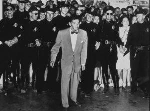 Frank Sinatra,arrival in Pasadena, CA1943 - Image 0337_2302