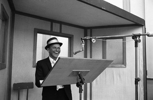 Frank Sinatra at a recording session / June 1964 © 1978 Ed Thrasher - Image 0337_2458
