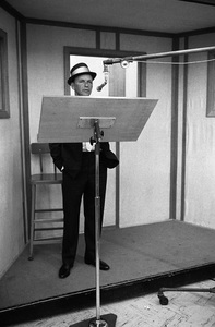 Frank Sinatra at a recording session / June 1964 © 1978 Ed Thrasher - Image 0337_2459