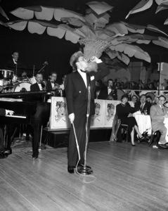 Frank Sinatra performing at the Copacabana (nightclub) in New Yorkcirca 1943© 1978 Barry Kramer - Image 0337_2826