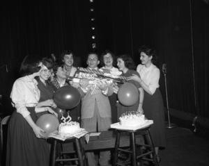 Frank Sinatra on his 32nd birthday 1947 © 1978 Barry Kramer