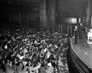 Frank Sinatra performing at the Paramount Theater in New Yorkcirca 1944© 1978 Barry Kramer - Image 0337_2852