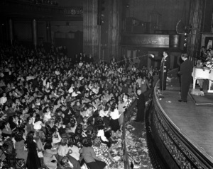 Frank Sinatra performing at the Paramount Theater in New Yorkcirca 1944© 1978 Barry Kramer - Image 0337_2857