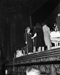 Frank Sinatra performing at the Paramount Theater in New Yorkcirca 1944© 1978 Barry Kramer - Image 0337_2858