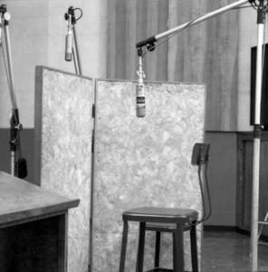 Frank Sinatra Captiol Records recording sessioncirca 1950s© 1978 Sid Avery - Image 0337_3003