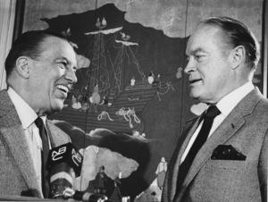 Ed Sullivan and Bob Hope at the Peabody Awards1968. - Image 0441_0155